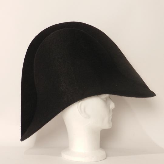 Bicorne d'officier empire, nu